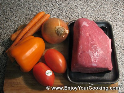 Beef Stew with Carrots and Bell Pepper: Step 1