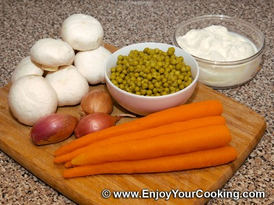 Carrots and Stewed Mushrooms Salad Recipe: Step 1