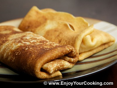 Crepes Stuffed with Apple