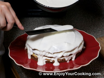 Simple Cake with Sour Cream Frosting Recipe: Step 29