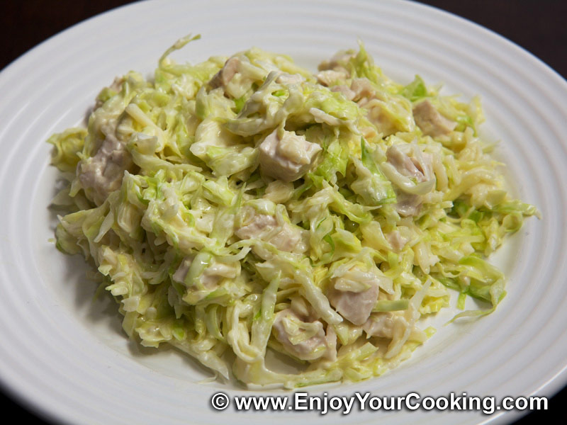 Салат со свежей капустой и кукурузой рецепт