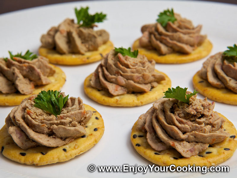Chicken liver pate recipe my homemade food recipes tips chicken liver pate on crackers forumfinder Image collections