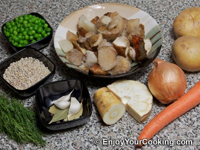Russian Lenten Mushroom Soup Recipe: Step 1