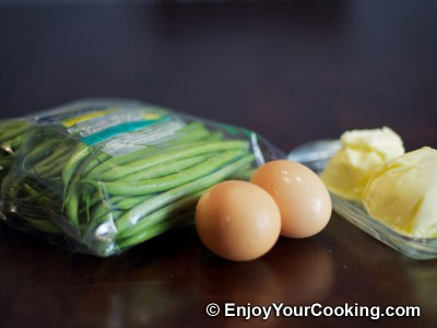 String Beans Fried with Eggs Recipe: Step 1