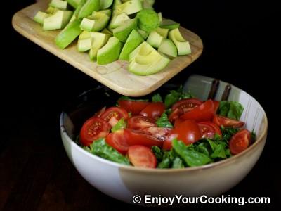 Green Salad with Tomato, Avocado and Shrimp Recipe: Step 5
