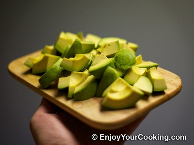 How to Skin Avocado