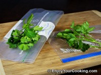 Clearly Fresh Bags vs Ziploc Review: Fresh Parsley Result