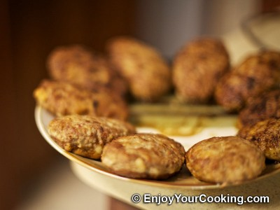 Minced Cutlets Stuffed with Mushrooms Recipe: Step 18
