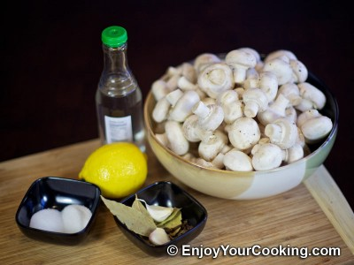 Homemade Pickled Mushrooms Recipe: Step 1