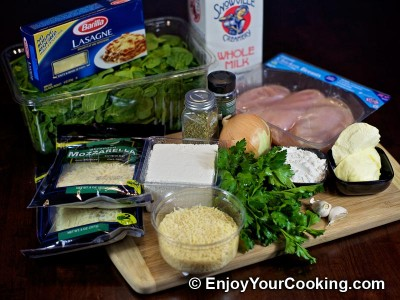 Chicken Lasagna with Spinach and Fresh Cheese Recipe: Step 1