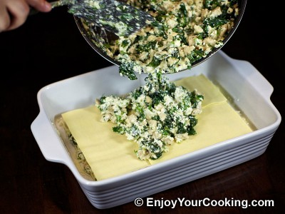 Chicken Lasagna with Spinach and Fresh Cheese Recipe: Step 19