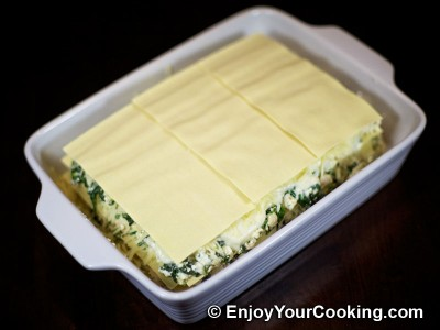 Chicken Lasagna with Spinach and Fresh Cheese Recipe: Step 20