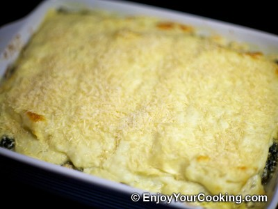 Chicken Lasagna with Spinach and Fresh Cheese Recipe: Step 23