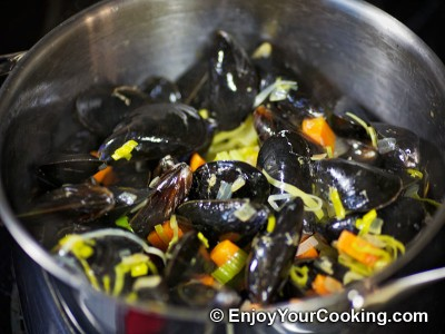 Mussels Steamed with Vegetables in White Wine Recipe: Step 15