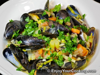 Mussels Steamed with Vegetables in White Wine Recipe: Step 19
