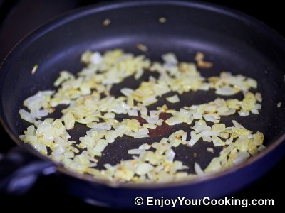 Omelette Stuffed with Mushrooms and Onions Recipe: Step 2