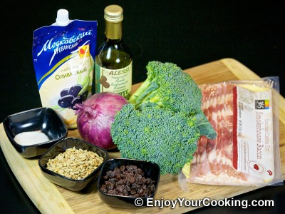 Fresh Broccoli Salad with Raisins and Sunflower Seeds Recipe: Step 1