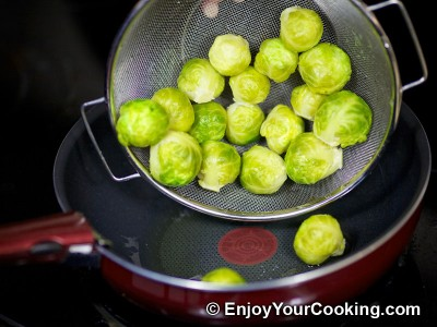 Brussels Sprouts in Tomato and Soy Sauce Recipe: Step 6