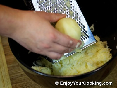 Turkey Pie with Grated Potato Recipe: Step 8