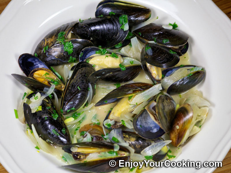This is a recipe for tender mussels steamed with shallots, garlic and ...