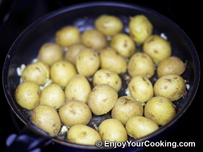 Potatoes Fried with Garlic and Caraway Seeds Recipe: Step 7