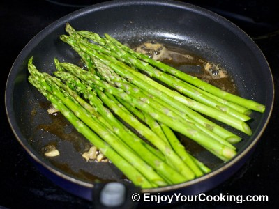 Asparagus Fried with Butter and Garlic Recipe: Step 4