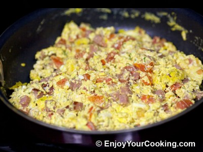 Scrambled Eggs with Ham and Tomatoes Recipe: Step 11