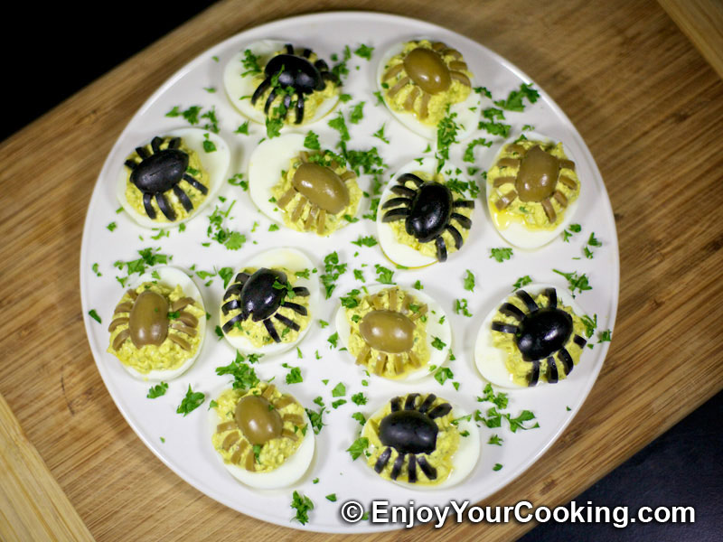 halloween spider decoration for deviled eggs - Deviled Eggs For Halloween Spider