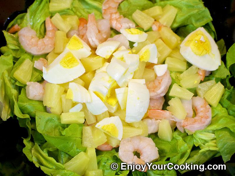 Салат ананасы креветки сыр яйцо