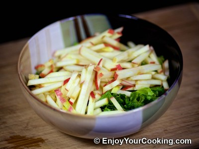Apple, Sorrel and Lettuce Salad Recipe: Step 5