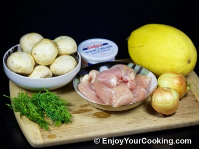 Spaghetti Squash with Chicken and Mushrooms Recipe: Step 1