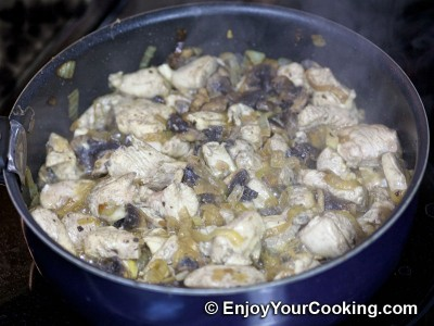 Spaghetti Squash with Chicken and Mushrooms Recipe: Step 8