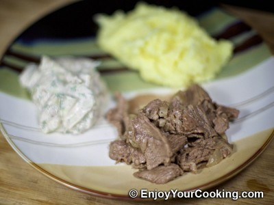 Quick Fried Beef with Onions