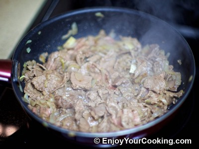 Recipe for Quick Fried Beef with Onions: Step 5