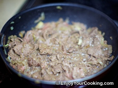 Recipe for Quick Fried Beef with Onions: Step 6