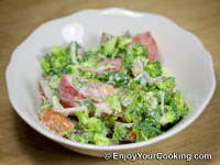 Raw Broccoli and Tomato Salad