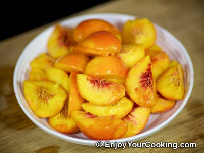 Fresh Peach Pie: Step 7