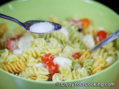 Салат с макаронами, помидорами и свежей моцареллой: Шаг 8