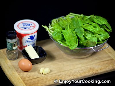 Creamy Spinach with Eggs: Step 1
