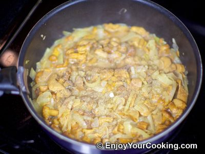 Chanterelles with Sour Cream and Onions: Step 5