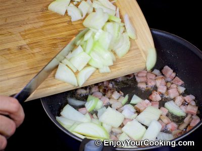 Pan Fried Potatoes with Onion and Bacon: Step 3
