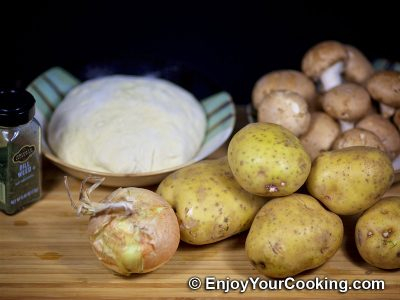 Fried Pies with Potatoes and Mushrooms: Step 1